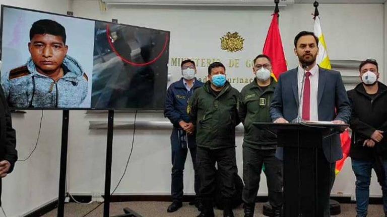 """Detienen """"in fraganti"""" a ministro boliviano mientras recibía soborno en pleno centro de La Paz"""