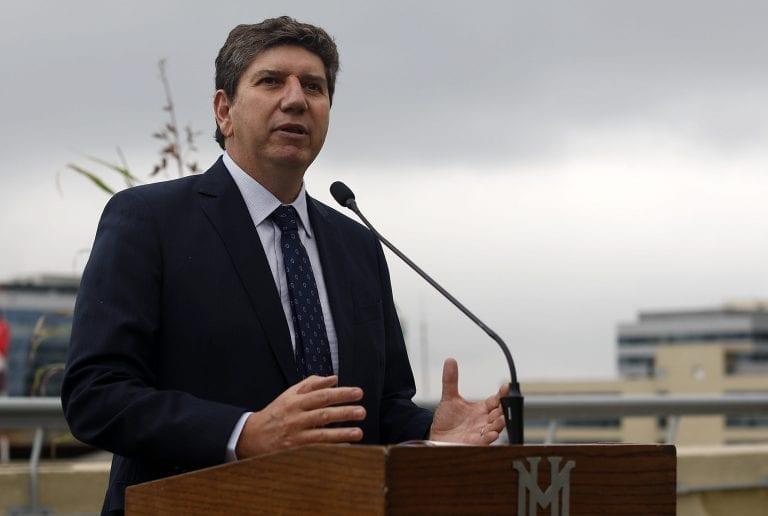 """Ministro Cerda resaltó que expansión del Imacec """"es mayor a lo que estaba esperando el mercado"""", pero llamó a tomar el dato """"con calma"""""""