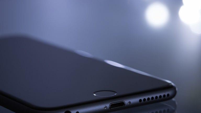 Expertos entregan recomendaciones de seguridad tras el robo de un celular