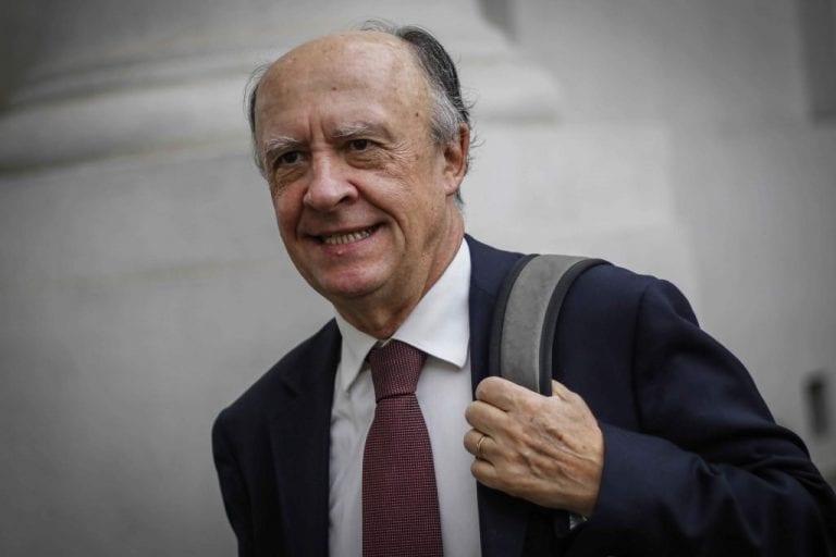 Diputado Durán (RN) se lanza contra el segundo piso de La Moneda y exige la salida de Larroulet
