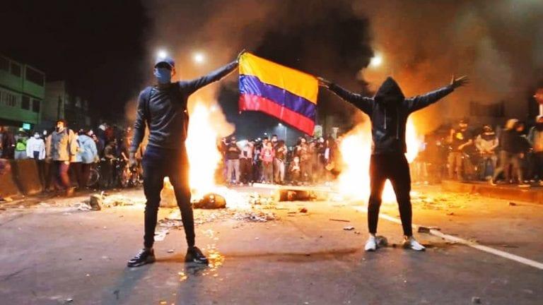 Cancillería condena oficialmente la violencia y violación a los DDHH en Colombia pero evita criticar a su gobierno, estrecho aliado de Piñera