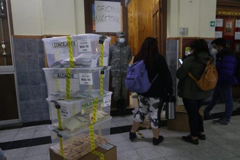 Las urnas ya se encuentran bajo custodia en medio de las  dudas en las redes sociales