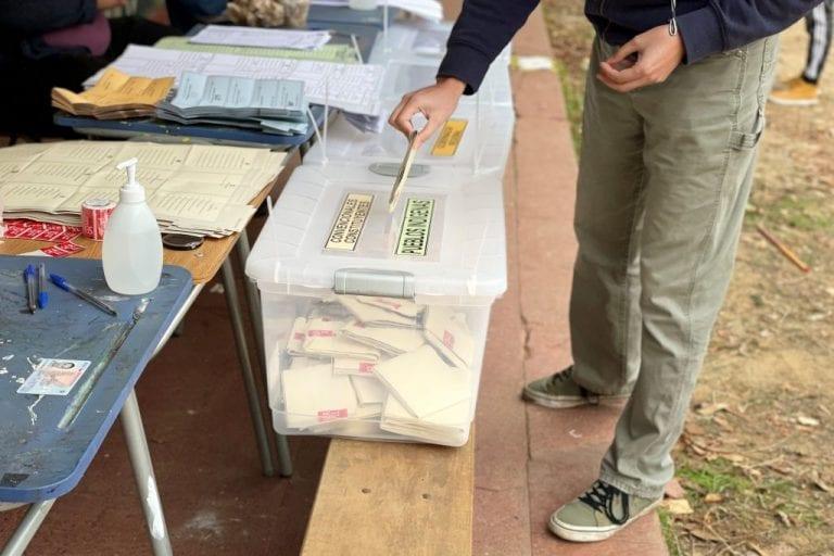 Cámara aprueba proyecto que restituye el voto obligatorio para votaciones populares