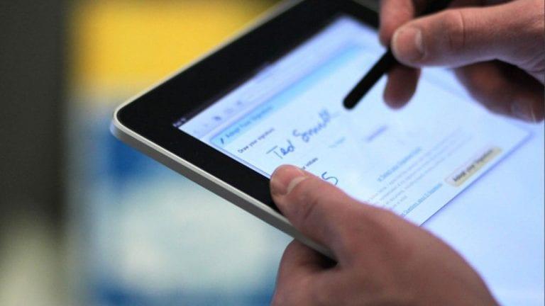 Diez trámites presenciales que puedes evitar con firma virtual