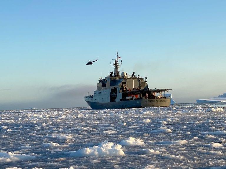 """Armada de Chile dio inicio al """"Mes del Mar 2021"""" resaltando la importancia y la presencia chilena en la Antártica"""