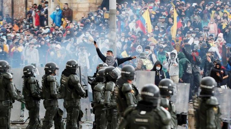 """Gobierno pide """"respeto, promoción y protección de los DD.HH."""" ante la crisis que vive Colombia"""