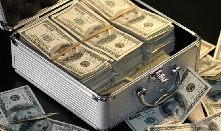EEUU: Déficit comercial alcanza récord de $74.400 millones