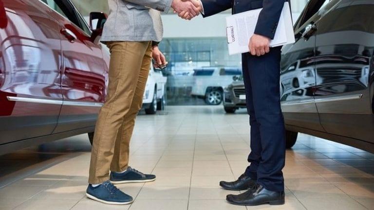 Compra de autos en Chile: ¿primera necesidad o lujo?