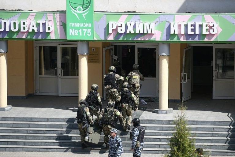 Al menos nueve muertos en tiroteo en escuela en Kazán