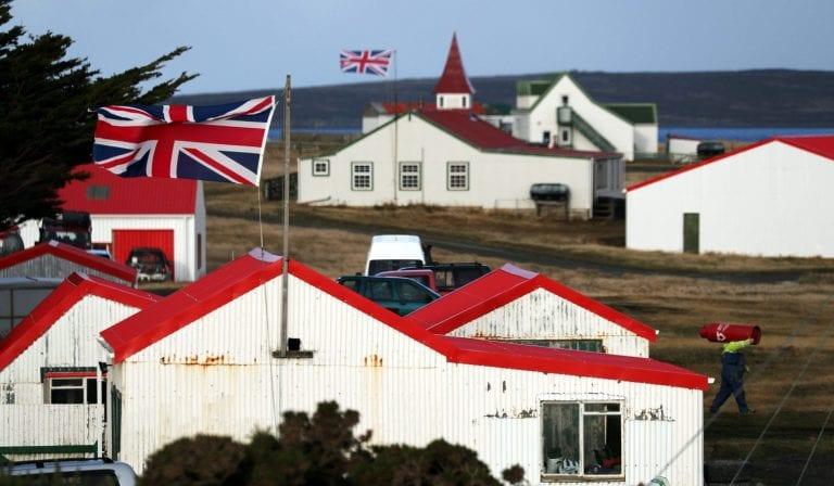 Las Falkland apuntan a disputar la puerta de entrada a la Antártica con Punta Arenas y Ushuaia