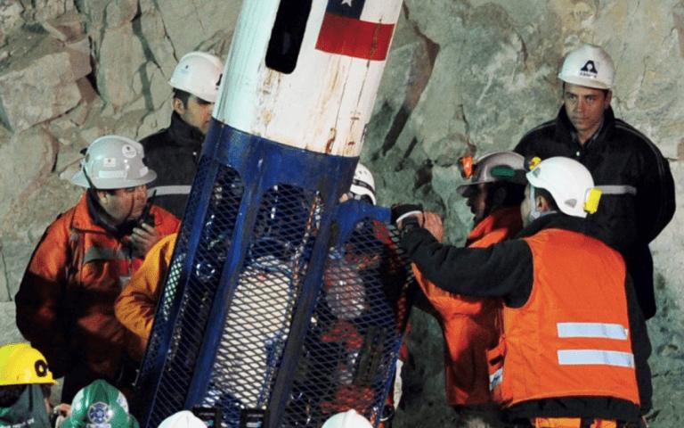 Corte condena al fisco pagar $40 millones a 31 de los 33 mineros de mina San José