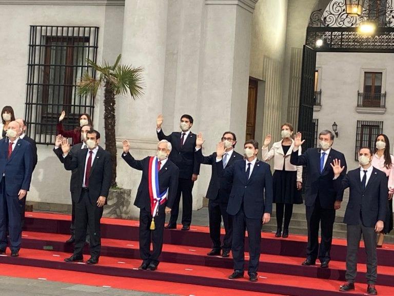 La imagen del adiós: Presidente Piñera encabezó fotografías oficiales con su gabinete, antes de su última Cuenta Pública