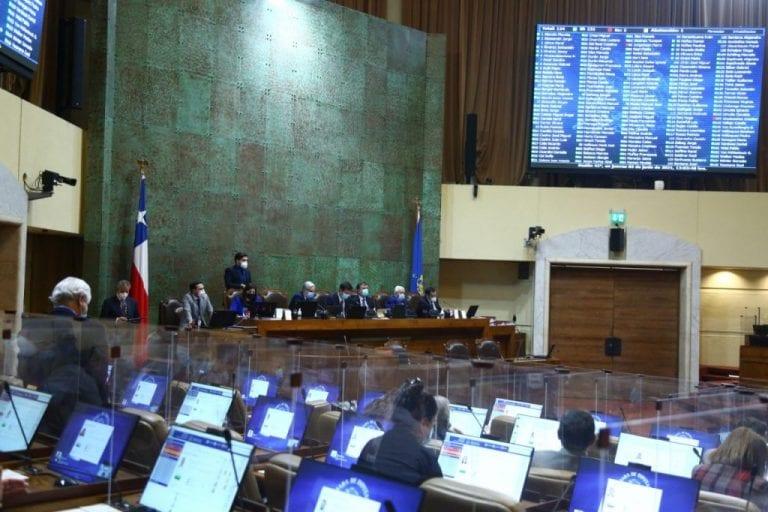 Cámara despachó a ley proyecto que frena alzas informadas por las isapres en 2020 y 2021