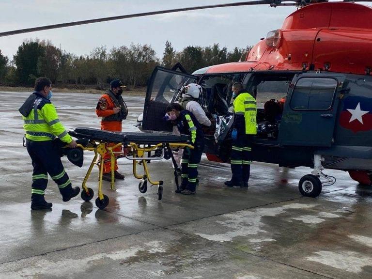 Armada realiza aeroevacuación médica desde Chaitén hasta Puerto Montt