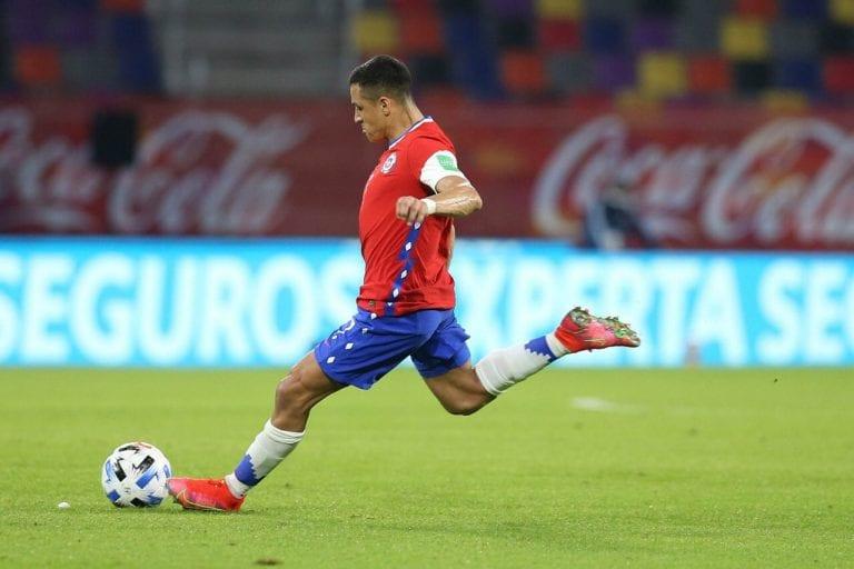¡Se encienden las alertas en La Roja! Alexis se lesiona y se perderá la primera fase de la Copa América