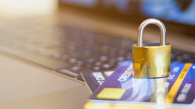 Experto entrega tips para cuidar tus tarjetas, datos y evitar fraudes