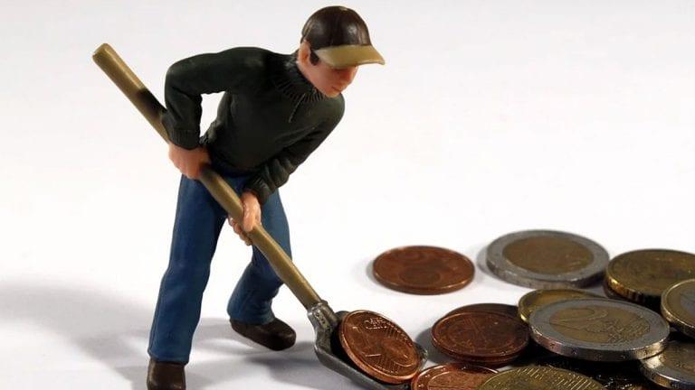 Los retiros anticipados de los fondos reducen los montos de las pensiones