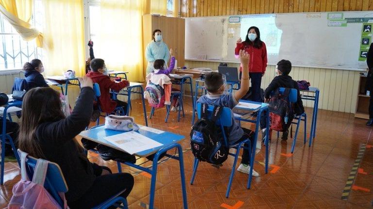 Mineduc mira positivamente propuesta del Colmed y  busca mantener abiertos colegios incluso en cuarentena