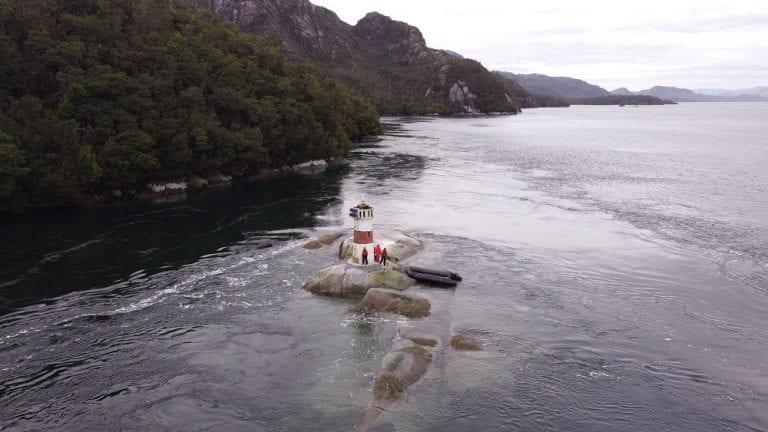 """Patrullero """"Micalvi"""" realizó 47 tareas de señalización marítima en el área centro-sur de Aysén"""