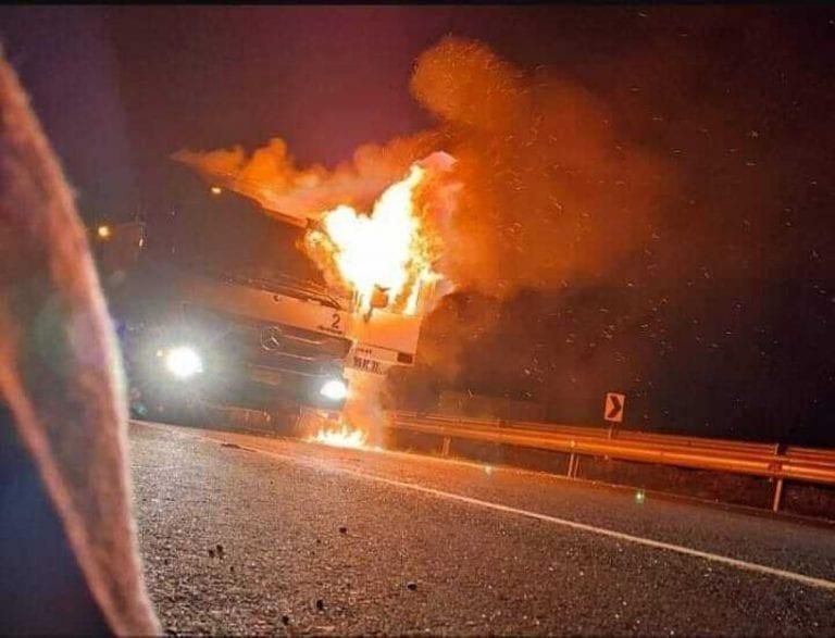 """Camioneros acusan caos en La Araucanía tras ataque incendiario y culpan al Gobierno por """"inexistencia del estado de derecho en la Macrozona Sur"""""""