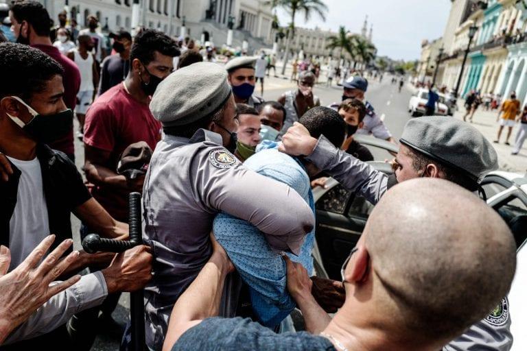 Diputados RN presionan al PC a aprobar sesión especial por violación a los DD.HH. en Cuba