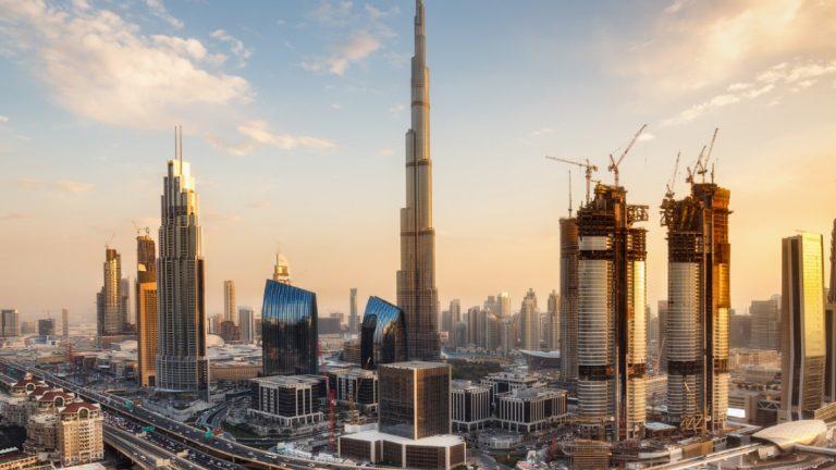 Te mostramos cómo comprar una propiedad en Dubai, Grecia o Portugal