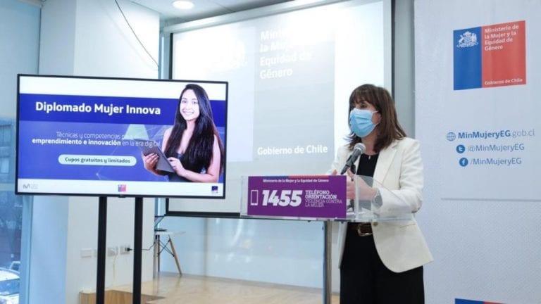 """""""Diplomados Mujer Innova"""" lanza 450 grupos gratuitos en Diplomados en Tecnología e innovación"""