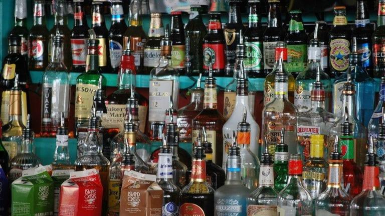 Botilleros de Chile respalda nueva ley de alcoholes Ad-portas de ser promulgada