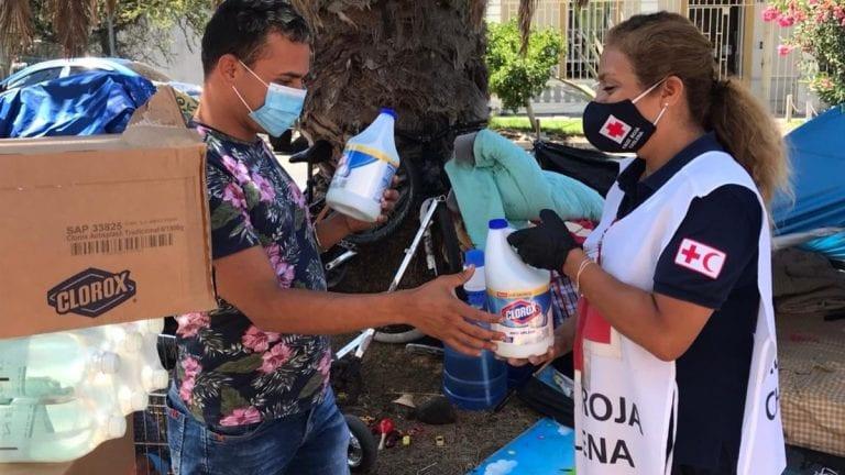 Comunas vulnerables recibirán 30 mil productos para apoyar en la desinfección de hogares