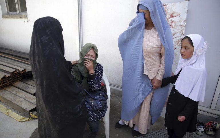 Canciller reconoció que están recibiendo solicitudes de organismos internacionales para dar asilo a afganos en Chile