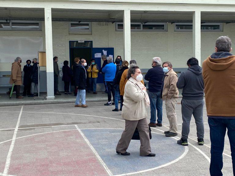 Adultos mayores encabezan participación en consulta de Unidad Constituyente