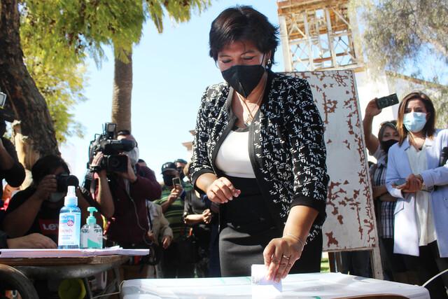 Provoste asegura su triunfo con más del 62% de los votos en medio de una paupérrima participación ciudadana
