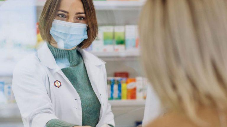 """""""Farmacia de la Mujer"""" cuenta con todo lo necesario para ellas y da espacio a emprendedores"""