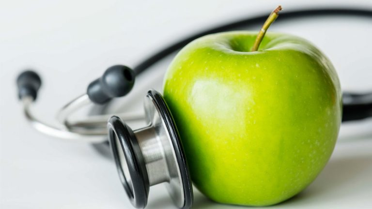 Cinco razones por las que la fibra de manzana es beneficiosa para tu salud