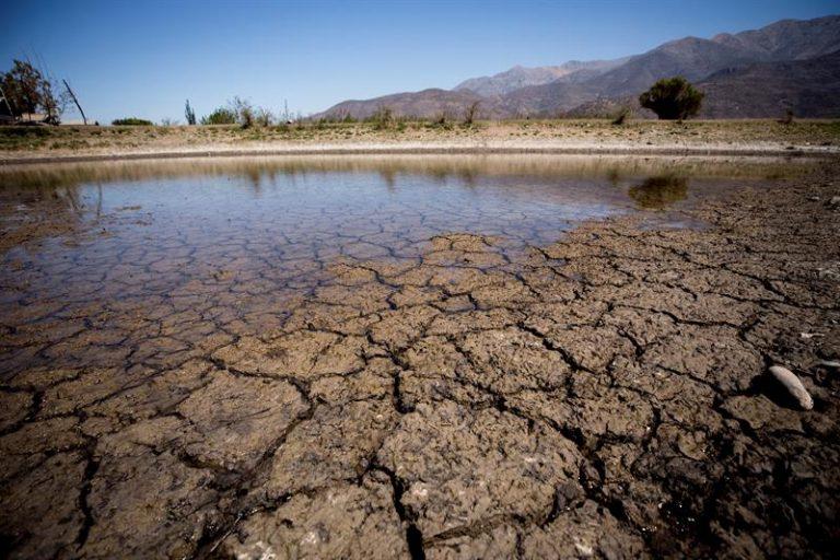 Alcaldes exigen al Gobierno mantener y ampliar estado de catástrofe ante escases hídrica