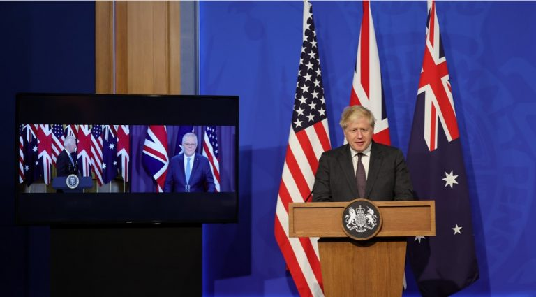 """China reacciona a alianza militar de EEUU-Australia-UK y amenaza a Canberra: """"Australia se está colocando en una posición de adversario de China"""""""