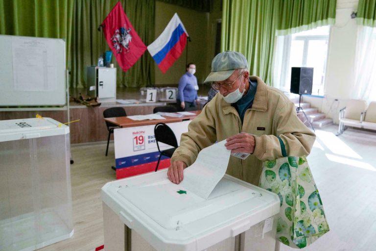 Partido de Putin alcanza la victoria en unas elecciones rusas salpicadas de acusaciones de fraude