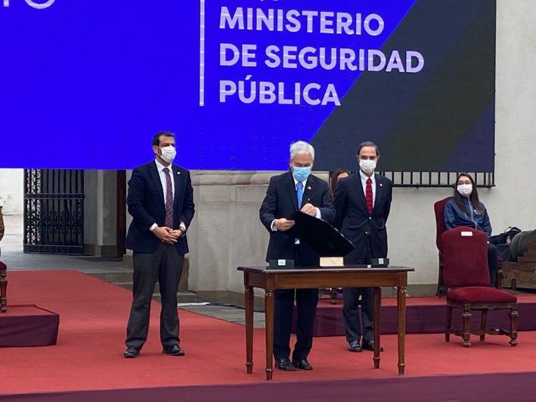 Piñera firmó el proyecto de ley que crea el Ministerio de Seguridad
