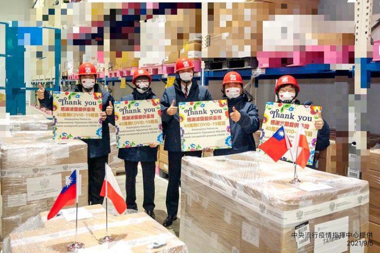 Polonia envía 400 mil vacunas AstraZeneca  a Taiwán
