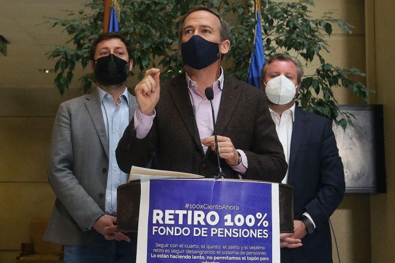 Diputados UDI reingresaron proyecto para retiro del 100% de los fondos de pensiones