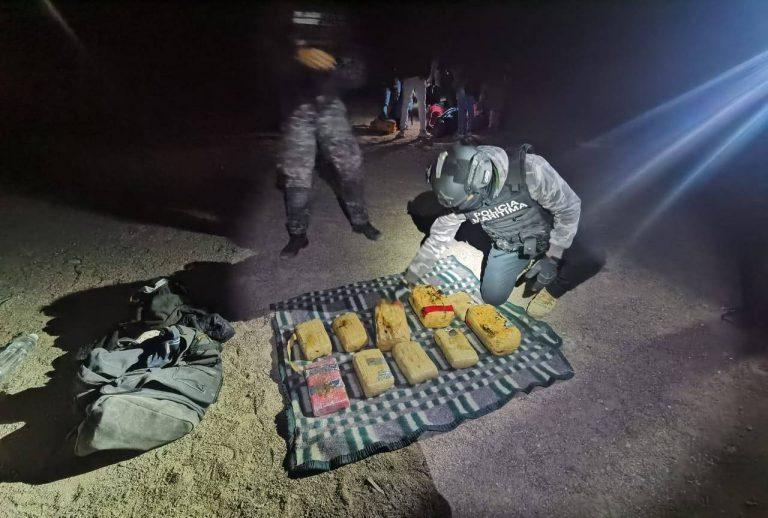 Policía Marítima detiene a cinco personas con más de 15 kilos de drogas