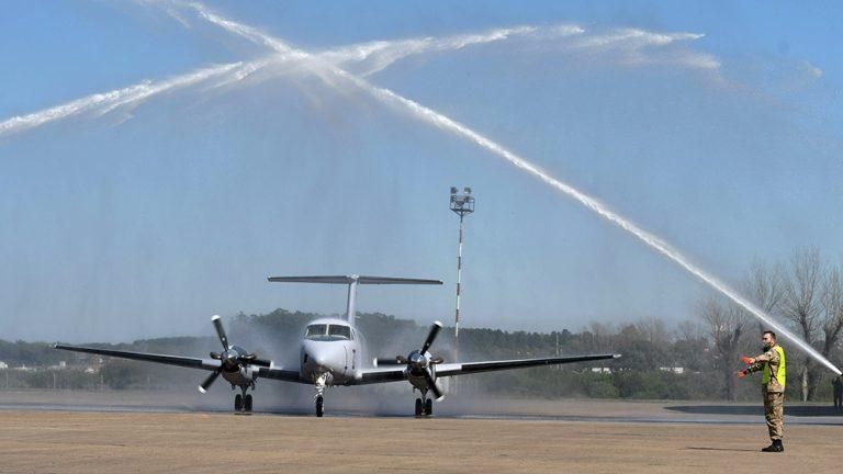 Argentina compra 12 aviones TC-12B Hurón para su Fuerza Aérea