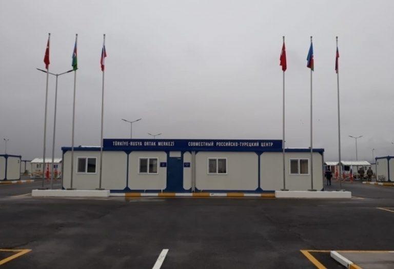 Ministro de Defensa de Azerbaiyán se reune con el nuevo jefe de las fuerzas de paz rusas emplazadas en la recuperada Nagorno-Karabaj