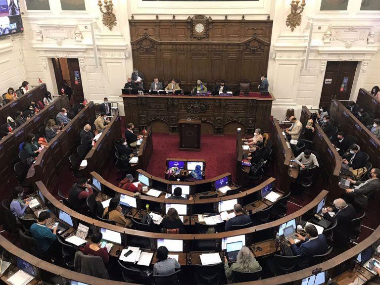 Confirman caso positivo de Covid al interior de la Convención Constitucional