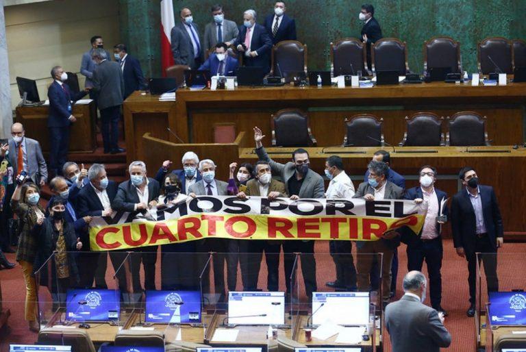 Jolgorio y algarabía en la oposición tras aprobación del cuarto retiro
