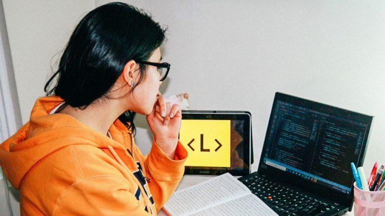 Quedan pocos días para el cierre de postulaciones al bootcamp de programación enfocado en mujeres