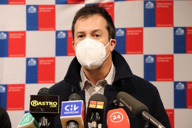 """Ministro Palacios insiste en rechaza 4to Retiro y dice que """"la mona aunque se vista de seda, mona queda"""""""