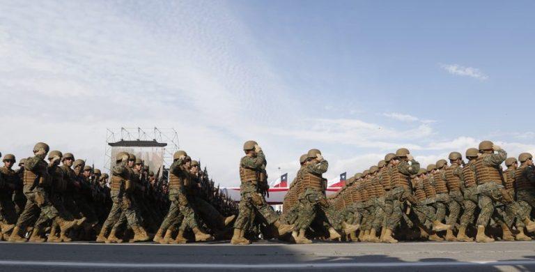 Parada Militar: Desfilan 6.500 efectivos en Parque O'Higgins y sin público
