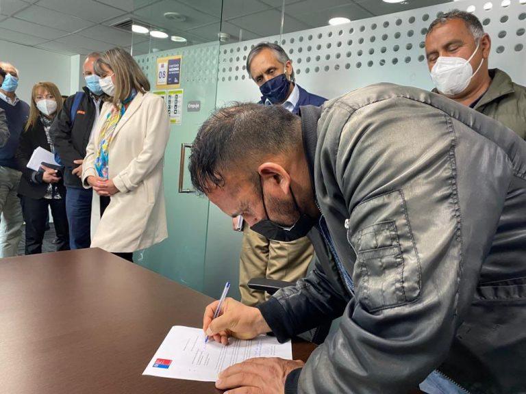 Pescadores artesanales llegan a acuerdo con Gobierno en Valparaíso: Nueva caleta estará lista en 2024