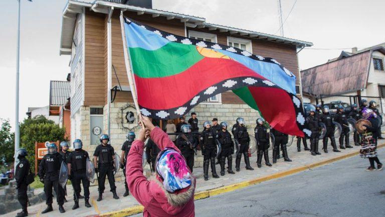 Argentina ve a Chile como el espejo de su propio conflicto mapuche